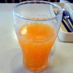 ジョナサン - BLTEパンケーキモーニング、ドリンクバー付き754円、炭酸水と野菜ジュースのブレンドで野菜ソーダ