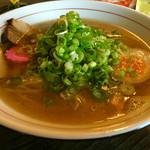 55010782 - 塩そば 葱トッピング   スープあっさりですが、酷があります(^○^)