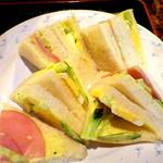 アラビゴコーヒー - サンドセットのサンドイッチ