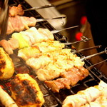 炭焼屋 勝商店 - 八女炭蘇鶏を備長炭でじっくりと焼き上げる