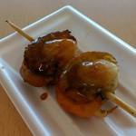 ねむの丘 物産館 - 一個食べてから撮影(^-^;