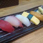 寿司丸忠 - にぎり5貫Cセット(赤だし・茶碗蒸し付)600円