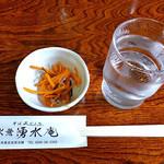 そば処 水無湧水庵 - サービスの「ニンジンの松前漬」(2016年8月)
