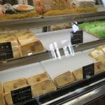 ラト・リーチェ お箸の国 de ジェラート - 色々なシフォンケーキも販売されていました