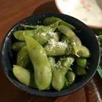 七津屋 - 枝豆