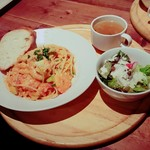 cafe&dining ballo ballo - 海老とアボガドのトマトクリームスパセット