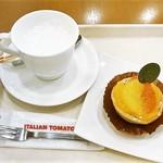 イタリアン・トマト カフェジュニア - アーモンドミルクM¥320 タルトフリュー¥430