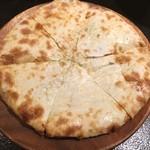 パパスバル - しらすチーズなん