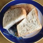 55035079 - ハーブ食パン