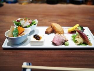 真田 - 前菜7種盛り(八種ある)