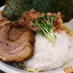 55038001 - 2016.8.13                       冷やしぶっかけ豚とろラーメン750円+大盛り100円