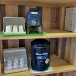 割烹旅館 湯の花荘 - 男性用露天風呂に用意された日本酒 & 冷水(2016年8月)