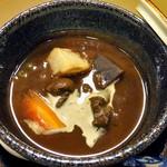 割烹旅館 湯の花荘 - 夕食(和牛肉ネックの合せ味噌煮込み)(2016年8月)
