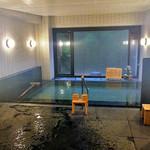 割烹旅館 湯の花荘 - 男性用内風呂(2016年8月)