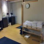割烹旅館 湯の花荘 - 男性用内風呂(タオル・バスタオルが大量に用意されています)(2016年8月)