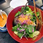 割烹旅館 湯の花荘 - 朝食(ニンジンドレッシングのサラダ)(2016年8月)