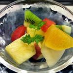 割烹旅館 湯の花荘 - 朝食(フルーツ)(2016年8月)