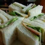 アナザホリデー - サンドイッチ。