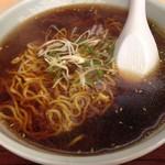 りょうま - 料理写真:かけラーメン350円醤油味
