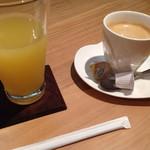 ビストロ&カフェ 六朝館 -