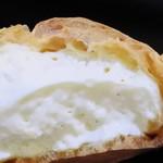 菓子工房 エピナール - シュークリーム