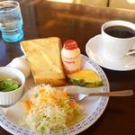 ぽる - 料理写真:ブレンド珈琲350円とモーニングセット(0円)