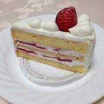 パティスリーSAKURA - いちごのショートケーキ