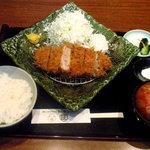 とんかつ 庄内 - 料理写真:ランチ ヒレカツ定食(ジューシー揚げ!)