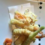 蟹御殿 - 季節の天ぷら定食2100円
