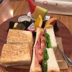 55063353 - BLTチーズサンドイッチセット¥1,100-