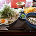 手打ち・つけ汁 うどん処 てる井 - 夏野菜汁うどん(中盛り550g)