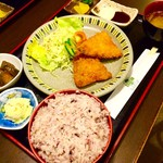 レスト喫茶榎 - アジフライ定食 (雑穀米大盛りバージョン)