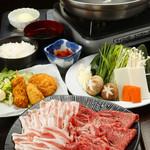 日比谷三源豚 - 月 宮崎牛と黒豚の食べ放題!4,280円