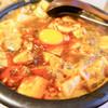 源来酒家 - 料理写真:麻婆麺。黄身付き!