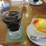 三和珈琲館 - 私はフルーツヨーグルトセット880円、ヨーグルトはブルーベリーとフルーツヨーグルトがありました。