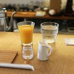 吉岡コーヒー - モーニングはミニマンゴージュース付き☆