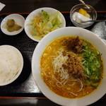 清風亭 - 坦々麺のセット