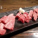 炭小屋 - 料理写真:並盛り(カルビ・中落ちカルビ・ハラミ)。この霜降りと肉質、もはや並レベルではない!