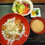 魚や 六蔵 - >゜)))彡〰 丼ぶり定食♥