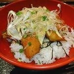 魚や 六蔵 - 素敵♥ マグロのステーキ丼♥ >゜)))彡〰    >゜)))彡〰
