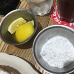 55094120 - レモンとパウダーシュガー