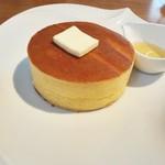 雪ノ下 - ホットケーキ 発酵バターと蜂蜜