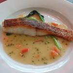 ビストロ・ラブーレ - 料理写真:真鯛のポワレ