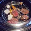 あみやき亭 - 料理写真:肉焼いています。