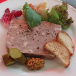 ビストロ・ラブーレ - タップリお肉の自家製テリーヌ