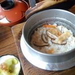 ファミリーパーク志満 - 料理写真:志満定食の「釜飯」イチオシメニュー