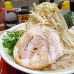 替玉千里眼 - モヤシマシマシラーメン680円