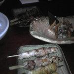 湘南ゆるり。 - 串焼きと鮭のハラス黒胡椒焼