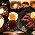 粋な男の料理 飲みくい庵 HASSIN - 国産和牛ステーキ御膳880円