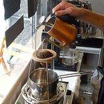 トンガコーヒー - ネルドリップで丁寧に珈琲を淹れていただだけます